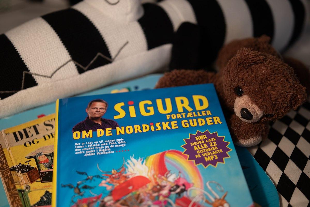 Sigurd fortæller om de nordiske guder af Sigurd Barrett